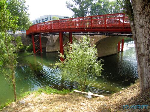Jardim do Polis Leiria (Oeste) - Ponte vermelha (1) [en] Polis Garden of Leiria, Portugal