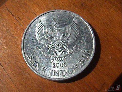 Moeda: 200 Rupia da Indonésia (frente)