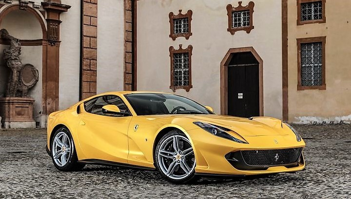 2018-Ferrari-812-Superfast-124.jpg