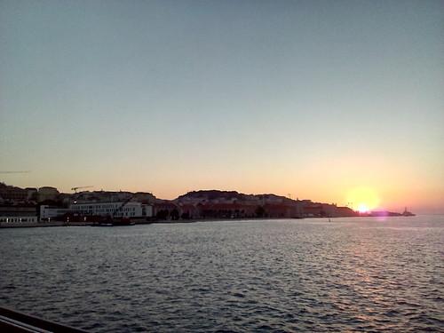 Lisboa nascer do sol Foto original DAPL 2016.jpg