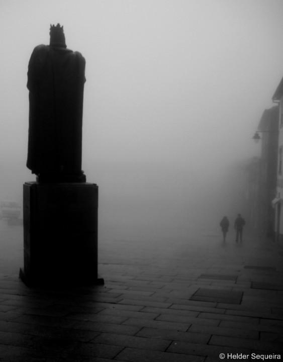 Um Rei no nevoeiro - HS.jpg