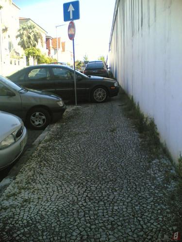 Estacionamento: Não dá paralelo fica perpendicul