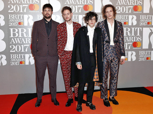 rs_1024x759-170222102221-1024-the-1975-brit-awards
