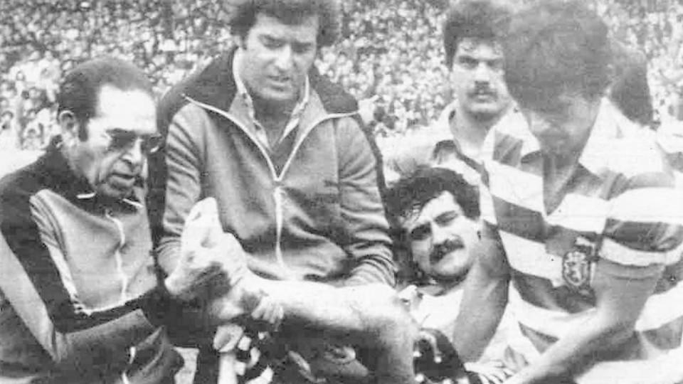 Boavista Sporting 1981-82 lesão de Oliveira.jpg