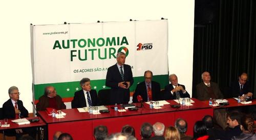 PSD/Açores está a debater o futuro da Autonomia...