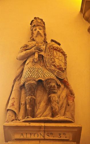 D. Afonso III alcobaça.jpg