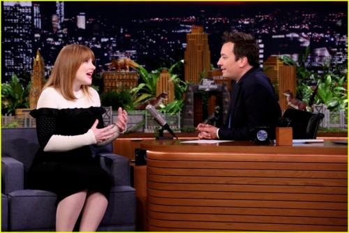 bryce-dallas-howard-jimmy-fallon-01.JPG