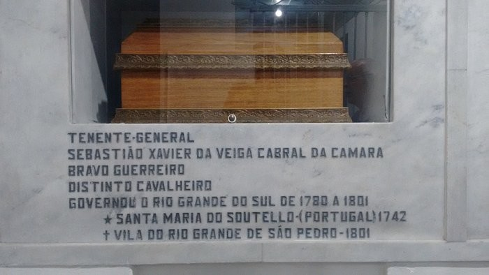 urna-de-sebastiao-xavier.jpg