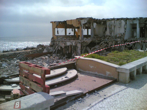 Buarcos -  Demolido restaurante junto ao mar