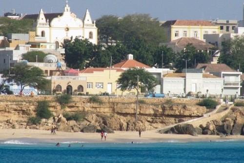 ilha_maio_porto_ingles.jpg