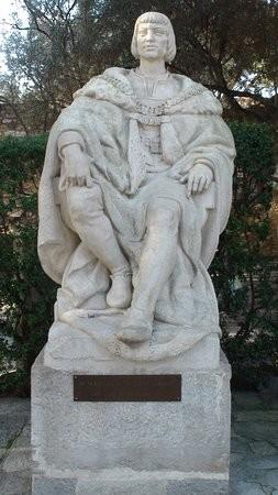 estatua-de-dom-manuel.jpg