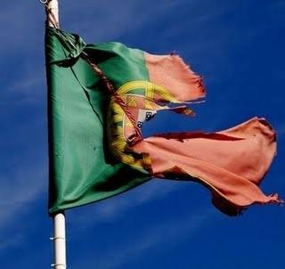 Bandeira esfarrapada.jpeg