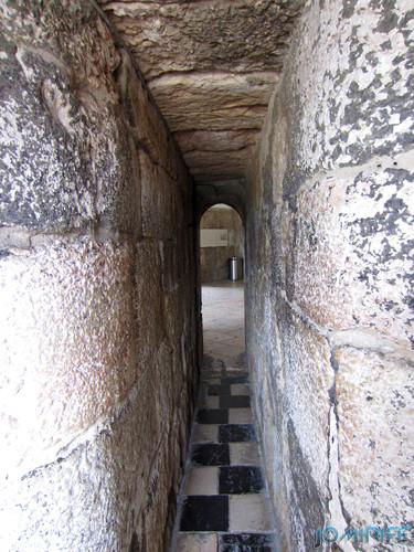 Lisboa - Torre de Belém (13) Passagem estreita [en] Lisbon - Belem Tower - Narrow passage