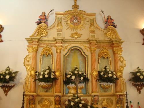 pormenor do altar na capela de Igarei