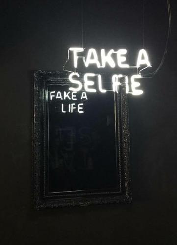 camilo-matiz-take-a-selfie-fake-a-life.png