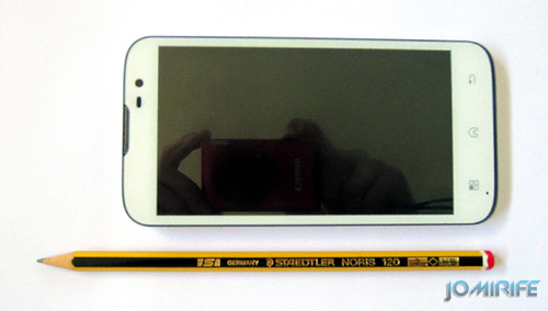 Smartphone/Tablet Bq Aquaris 5 - Comparada com lápis [en] Compared with pencil