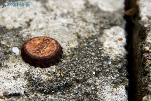 Carica abandonada ferrugenta (2) [EN] Abandoned rusty bottle cap