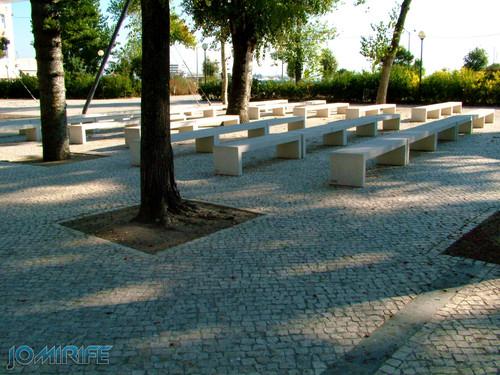 Jardim Municipal da Figueira da Foz (5) Bancos de pedra [EN] Municipal Garden of Figueira da Foz - Stone bench