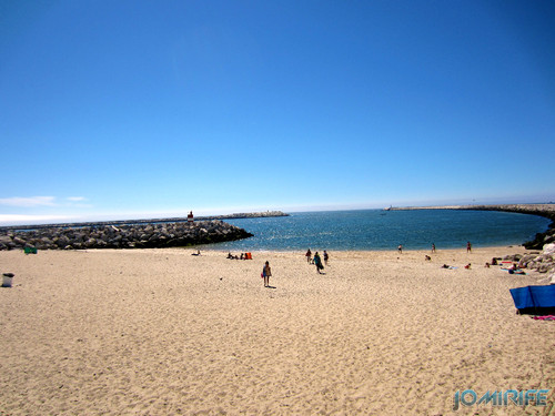 Praia pequena da Figueira da Foz na zona ribeirinha [en] Small beach of Figueira da Foz