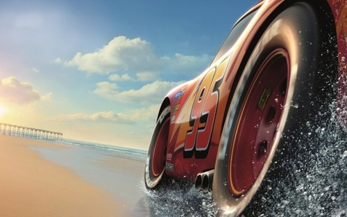 cars-3-lightning-mcqueen-beach-clouds-animation-mo