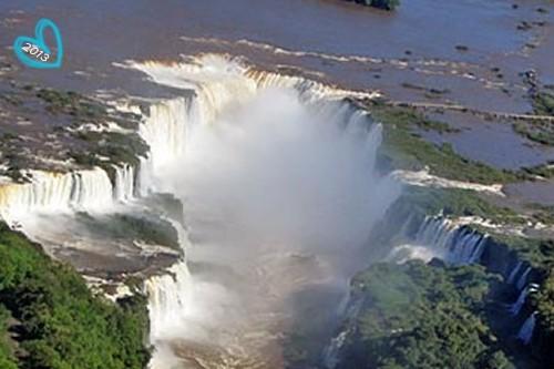 Cataratas do Iguaçu na fonteira entre Brasil e Argentina