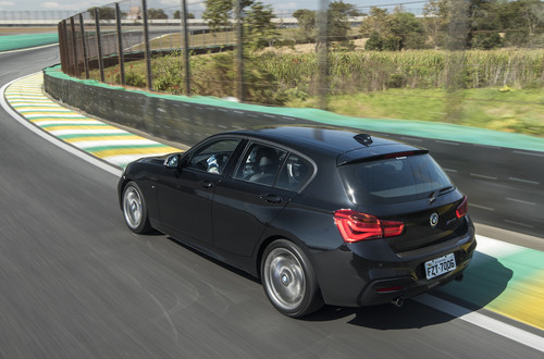 BMW140i_2.jpg