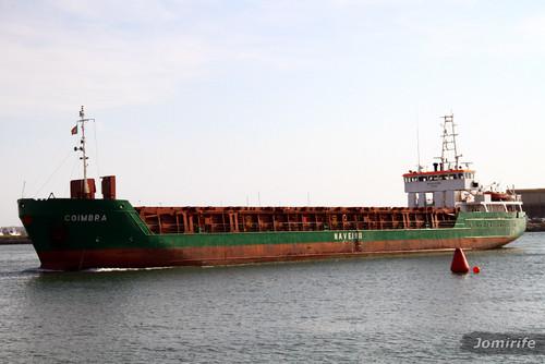 Navio comercial «Coimbra» no porto FigFoz (1)