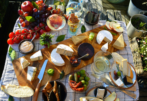 vegan-cheeseboard-table-4.jpg