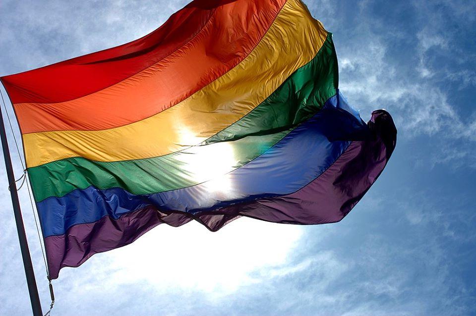 multa por homofobia.png