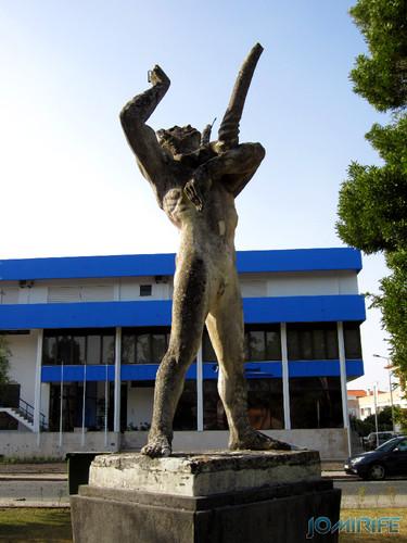 Jardim da Marinha Grande (12) Estátua [en] Garden of Marinha Grande in Portugal - Statue