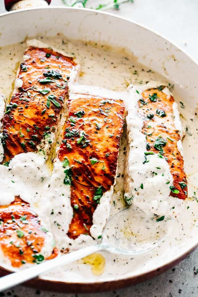 Creamy-Garlic-Herb-Salmon-9.jpg