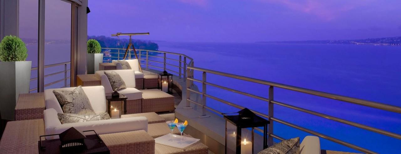 Vista da Royal Penthouse Suite para o Lago Genebra