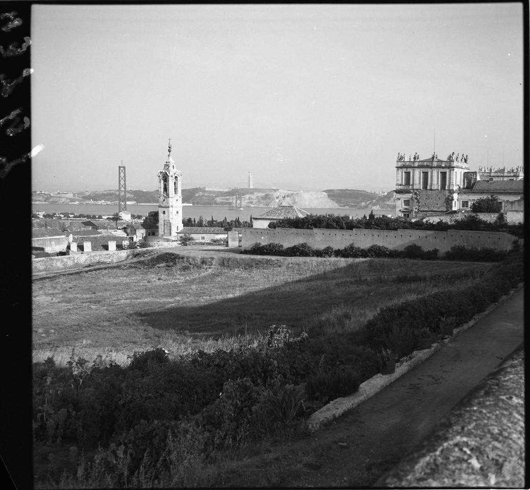 Panorâmica tirada do Palácio da Ajuda, vendo-se