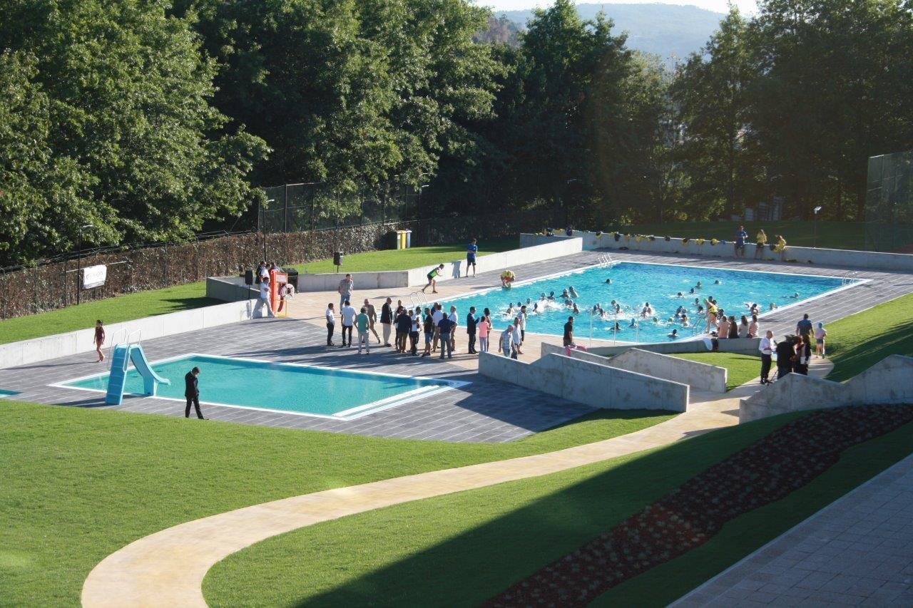 C mara de penafiel inaugura requalifica o das piscinas ao for Piscinas exteriores