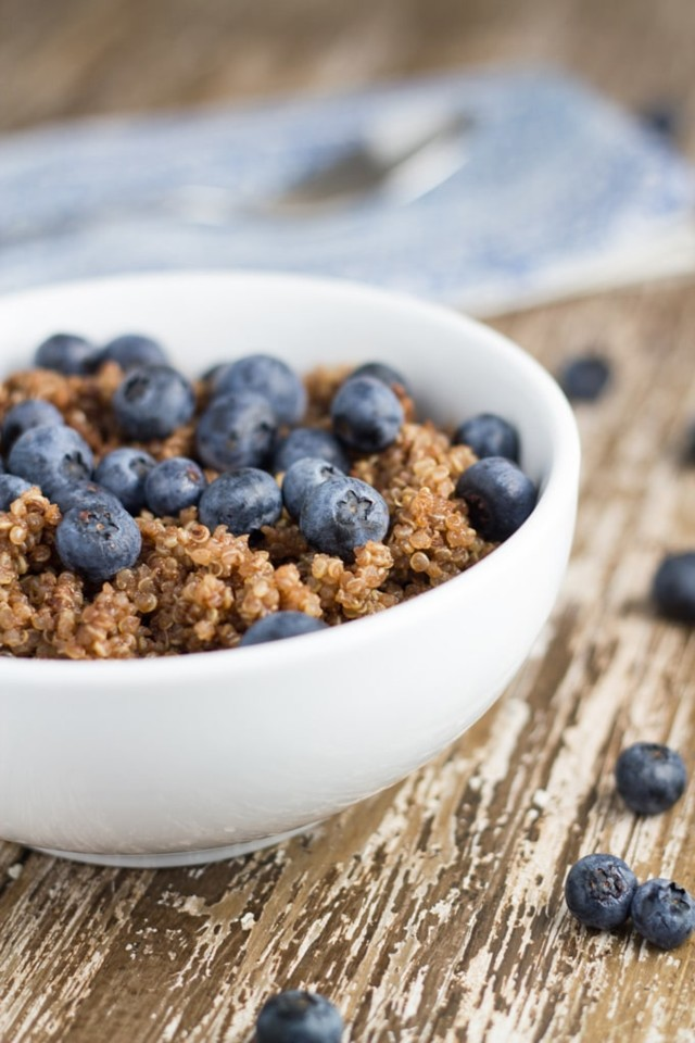 chocolate-blueberry-breakfast-quinoa-1-1.jpg