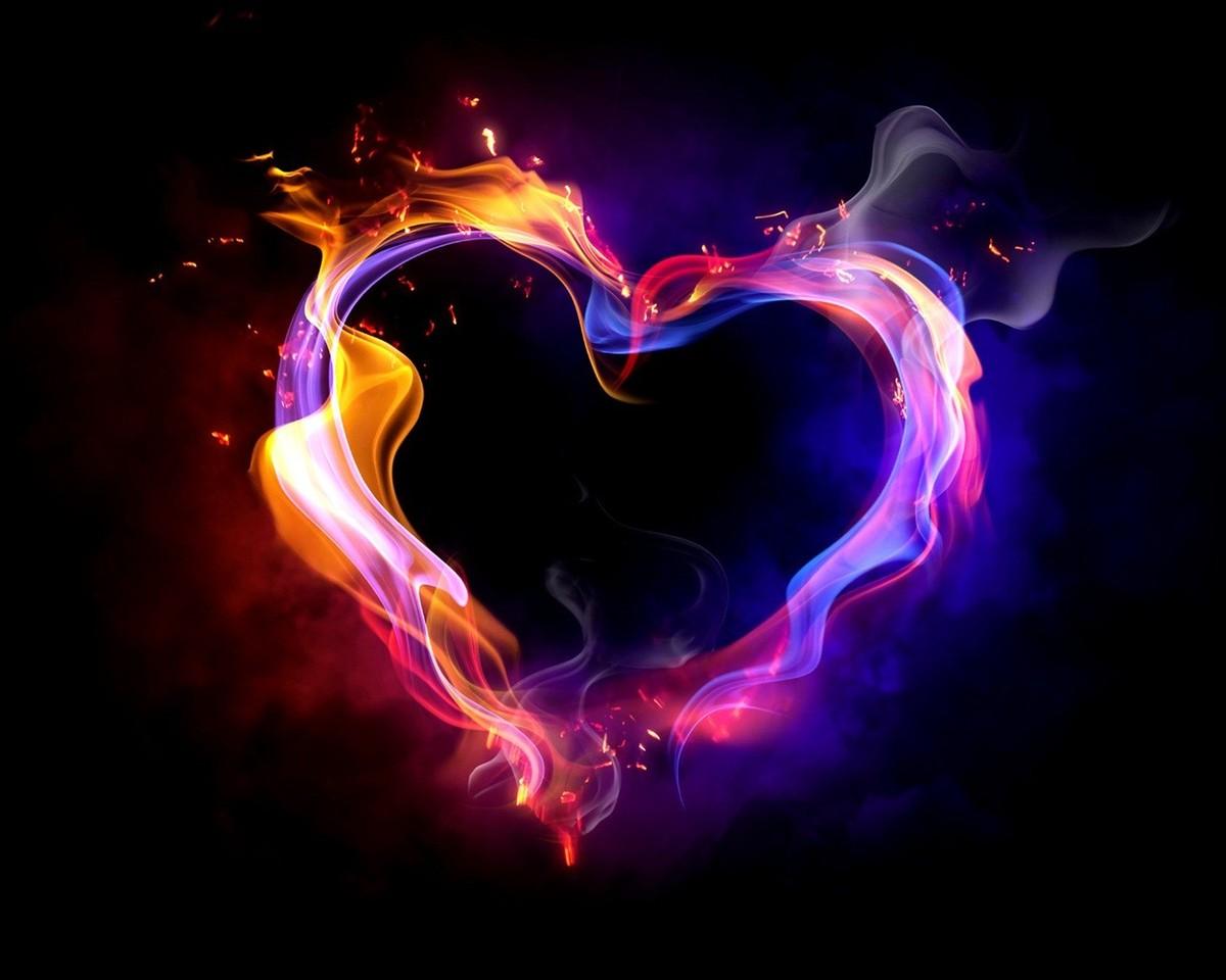 Love-heart-multi-colored-smoke-fire_1280x1024.jpg