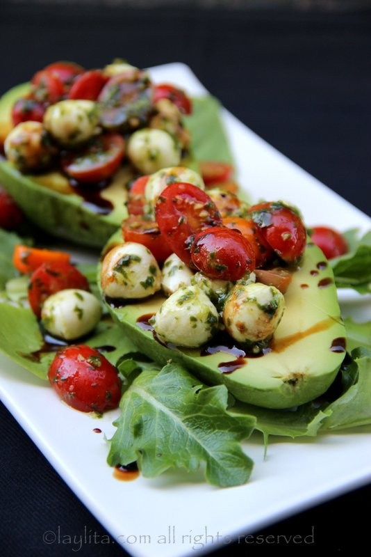 Tomato-mozzarella-caprese-stuffed-avocados.jpg