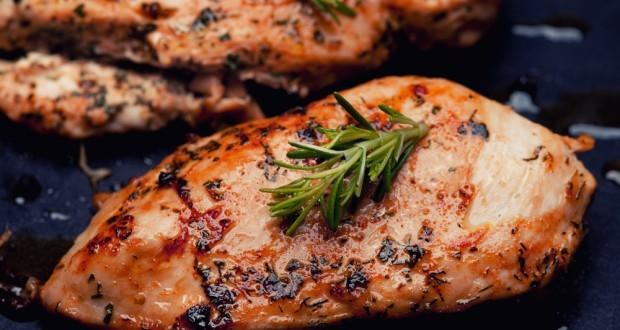 grilled-chicken-breast-with-garlic-2-620x330.jpg