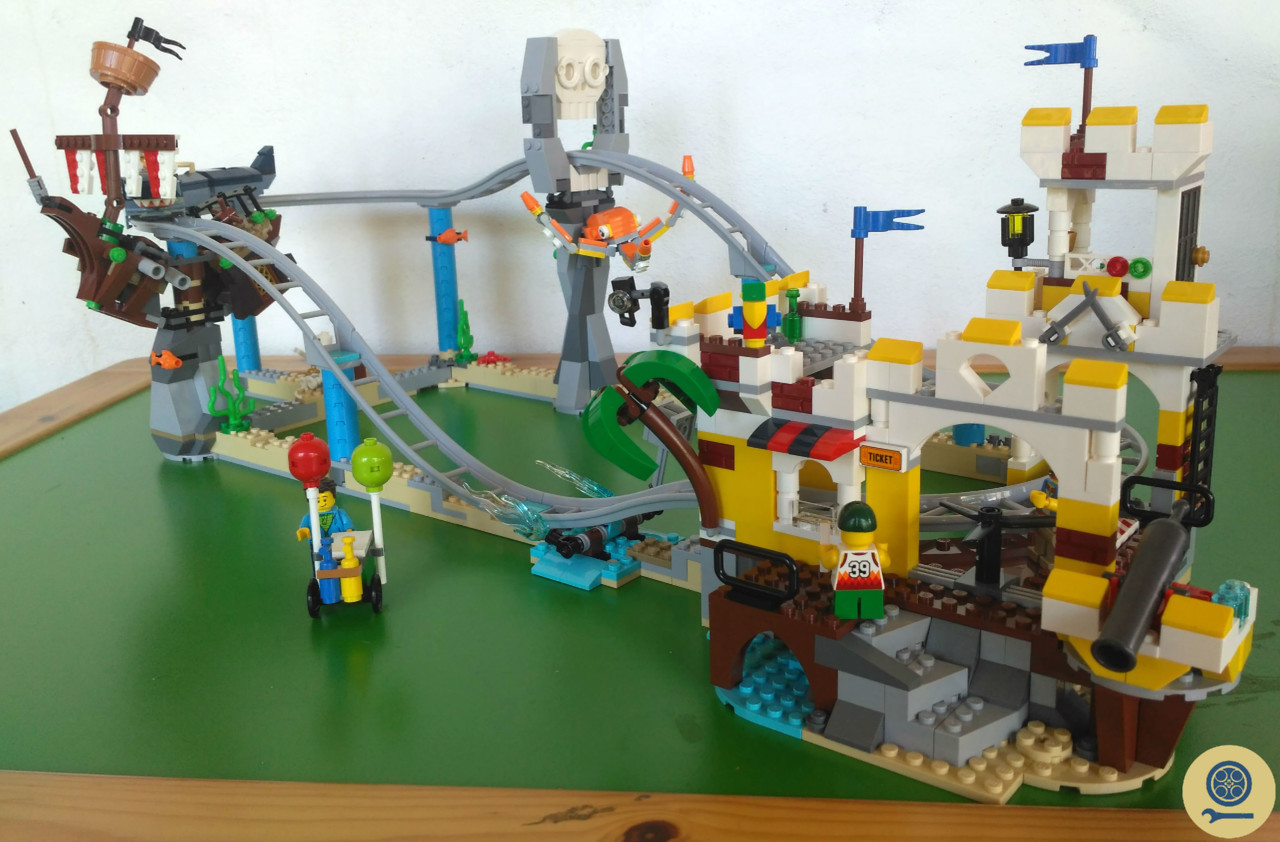 31084 Pirate Roller Coaster (15).jpg