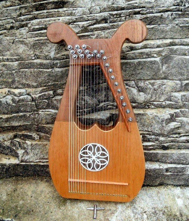lira-23-cordas-em-nylon-mini-harpa-D_NQ_NP_13845-M