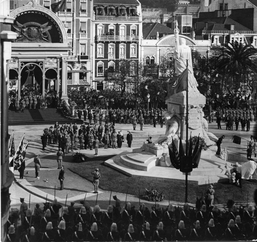 Inauguração do monumento aos Mortos da Grande Gu