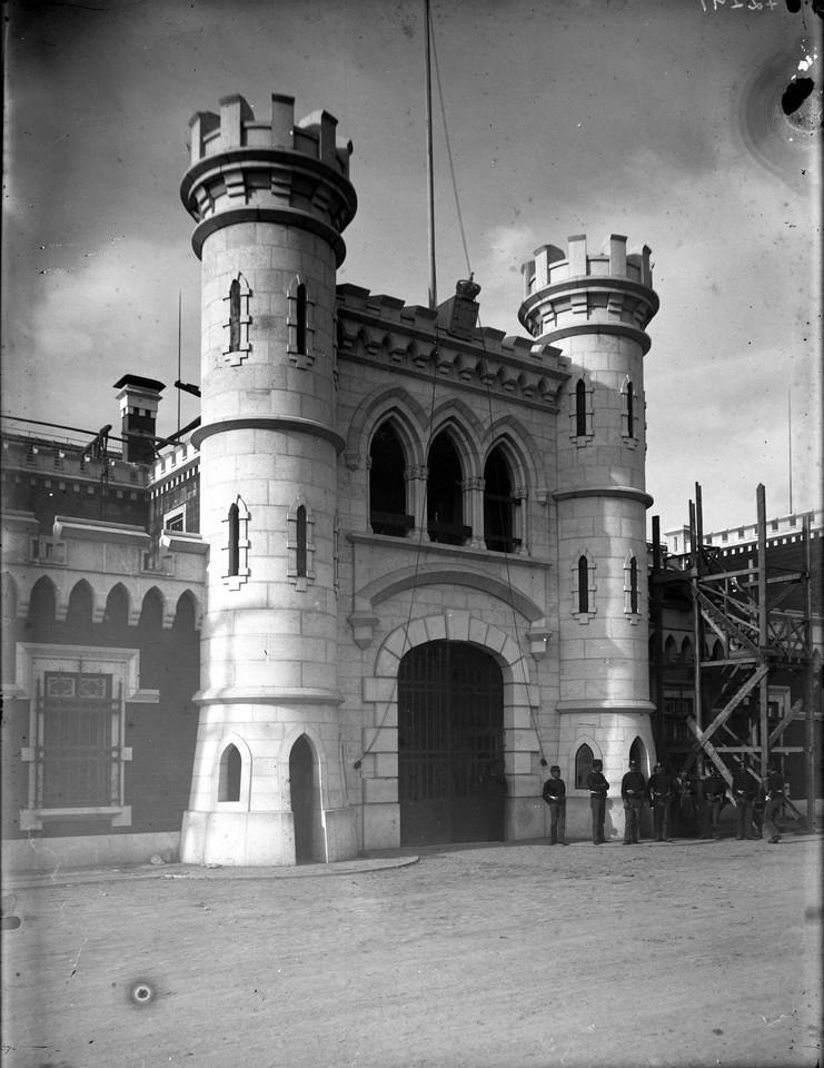 Penitenciária de Lisboa, conclusão das Torres,