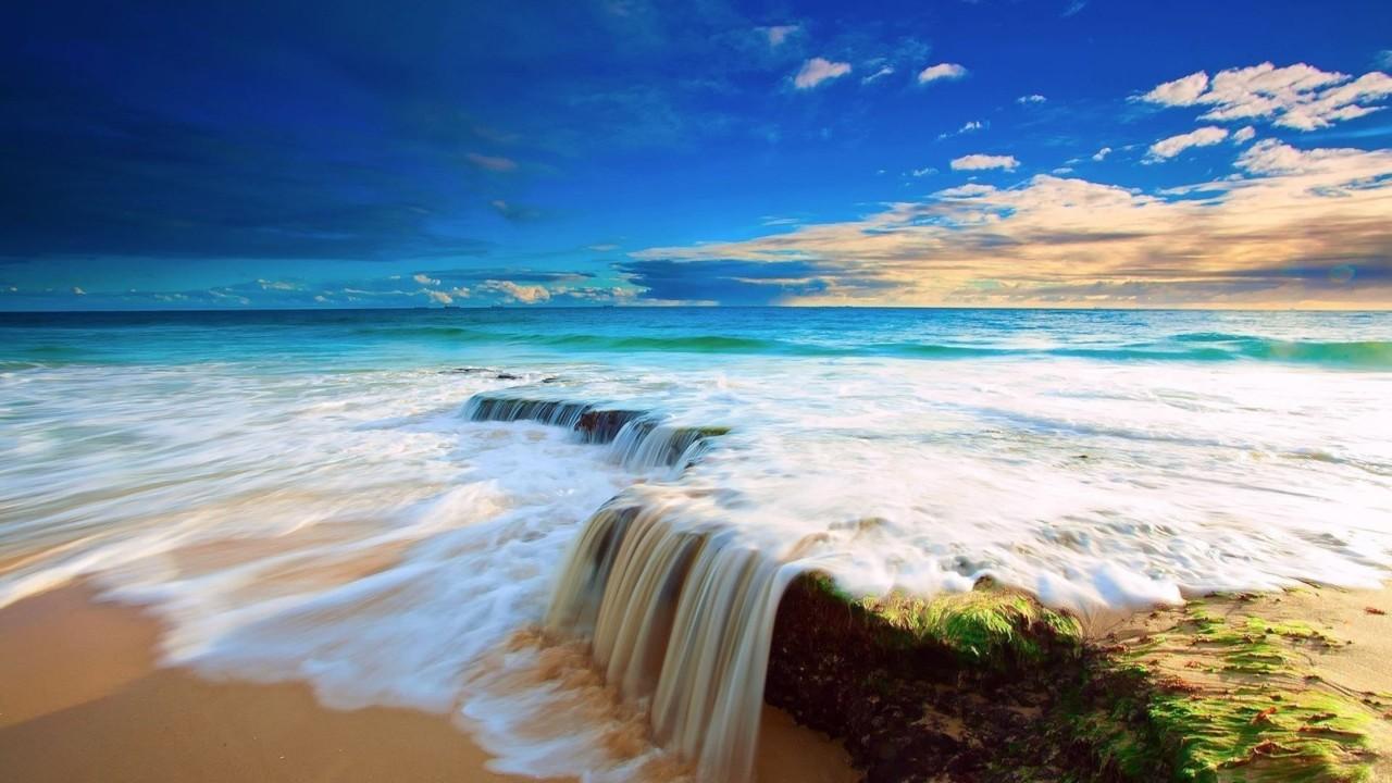 Small-waterfall-in-the-ocean-HD-wonderful-landscap