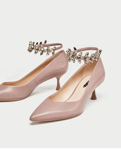 Sapato tacão medio pele pulseira joia_3.jpg