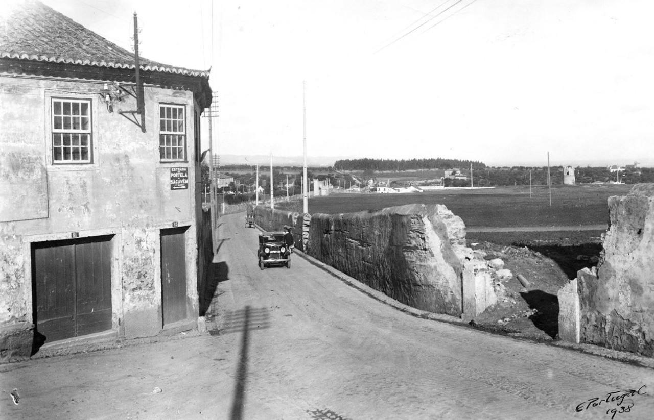 Estrada de Sacavém, no lugar da Portela, 1938, fo