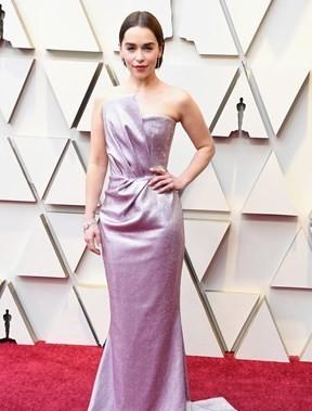 Emilia Clarke não mexe.jpg