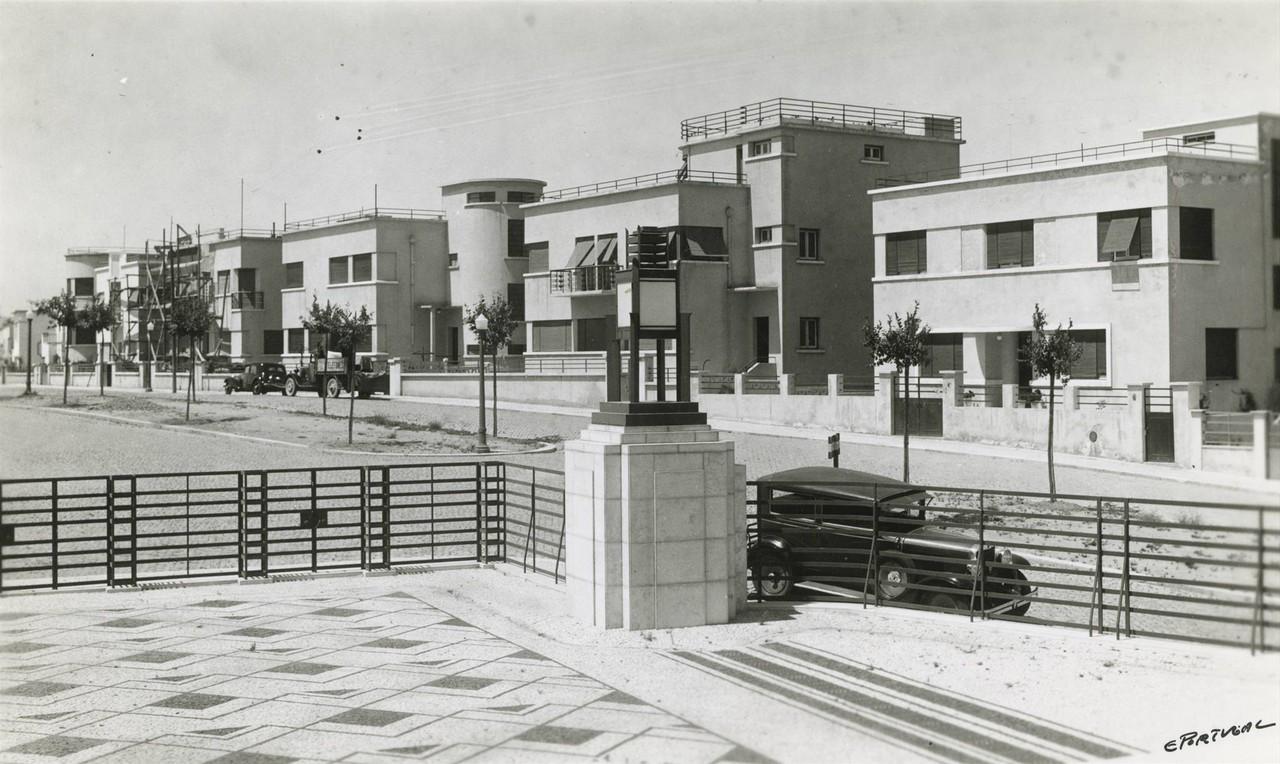 Panorâmica tirada do I.N.E.  (E. Portugal, 1935)