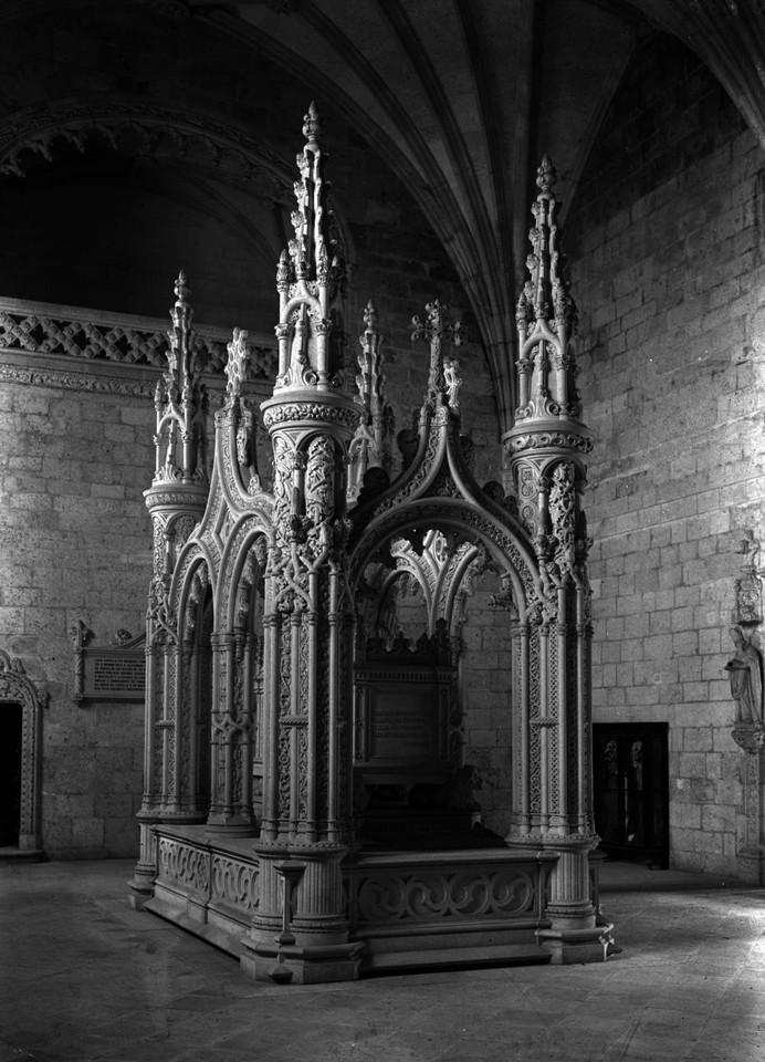 Túmulo de Alexandre Herculano, sd, foto de Albert