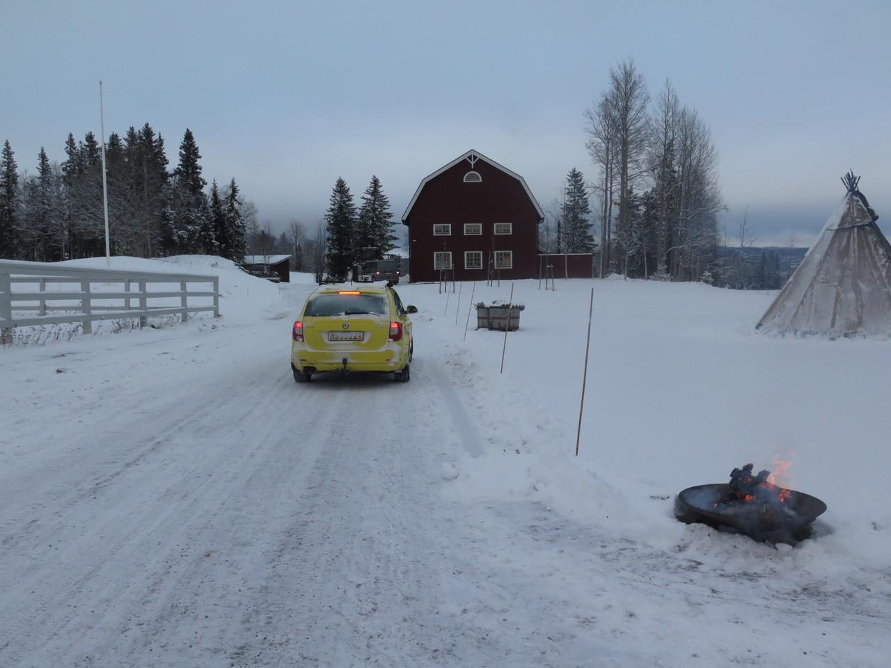 Entretanto, o táxi prosseguiu viagem… ou seja, foi até lá ao fundo fazer inversão de marcha para regressar a Åre