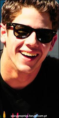 Nick Jonas 16246216_rWomK